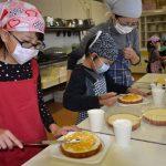 2015年12月19日 クリスマスケーキ作りが行われました