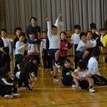 2015年12月17日 大矢田小学校でミュージカル指導