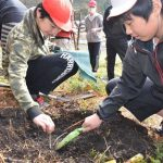 2016年3月10日 牧谷小学校で卒業記念植樹が行われました