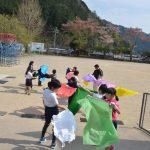 2016年4月12日 牧谷小学校児童が和紙染めに挑戦しました