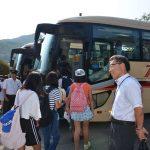 2016年8月17日 市内の小学6年生109人が士幌町へ向け出発しました
