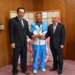 2016年10月31日 猿渡さんが優勝の報告に訪れました