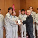 2016年12月7日 日本トムソン㈱岐阜製作所とJAM日本トムソン労働組合岐阜支部がみのりの家作業所へ寄贈
