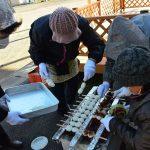 2016年12月16日 牧谷保育園で五平餅作りが行われました