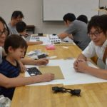2017年7月23日 美濃和紙の里会館で段ボールの昆虫作り