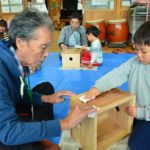 2017年10月24日 下牧保育園で木の箱椅子作りが行われました