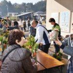 2017年12月26日 武義高校生徒が門松を販売しました