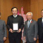 2017年11月30日 土本恭正さんが日本スポーツ少年団顕彰受賞の報告に訪れました