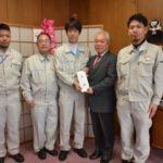 2017年12月27日 日本トムソン㈱岐阜製作所とJAM日本トムソン労働組合岐阜支部がひばり園へ運動用具を寄贈