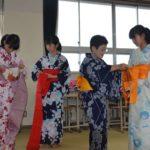 2018年7月13日 昭和中学校で着付けの授業が行われました