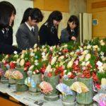 2018年12月20日 武義高校生徒がミニ門松を作りました