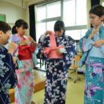 2019年7月9日 昭和中学校で着付けの授業が行われました